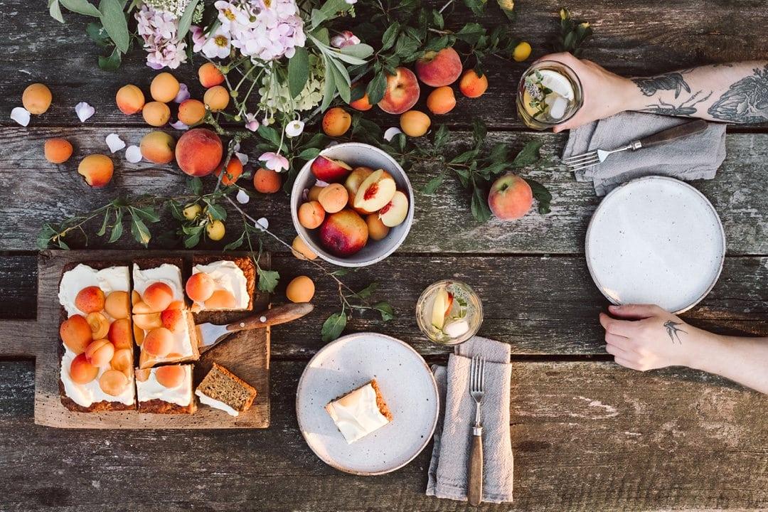 Smeg Kühlschrank Otto : Zucchini aprikosen kuchen krautkopf